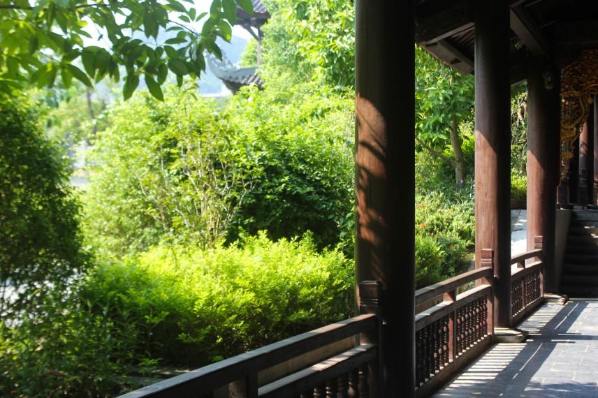 Bai DInh in bright sunlight